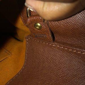 Louis Vuitton Bags - Louis Vuitton Monogram Musette Cross Body Bag